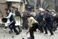 Становится привычкой… В Киргизии толпа во главе с депутатами ограбила золотодобытчиков