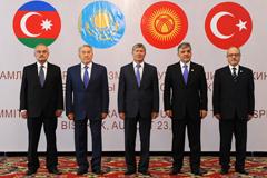 Не вместе и не порознь... Назарбаев заявил, что между Евразийским союзом и Тюркским советом нет противоречий