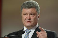 «Не собирается вести переговоры»... Петр Порошенко вступал в должность президента Украины, пока СБУ захватывало российских журналистов в заложники