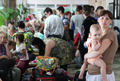 Помочь ближнему... Гражданские активисты в Киргизии готовы принять беженцев с юго-востока Украины
